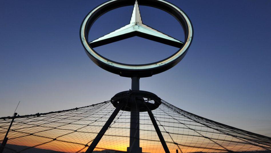 Dreiteilung im Stern schon angelegt: Vorstand und Aufsichtsrat haben die neue Aufteilung des Daimler-Konzerns in drei sebständige Bereiche beschlossen, Die nächste Hauptversammlung soll die neue Konzernstruktur endgültig besiegeln