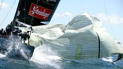 Segel über Bord: Das erste America's-Cup-Rennen endete für Titelverteidiger Neuseeland als Gau