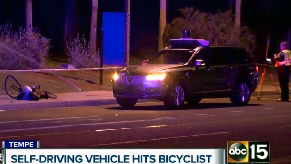 Bild vom Unfallort in Tempe, Arizona, an dem eine Frau bei der Kollision mit einem Uber-Roboterwagen getötet wurde