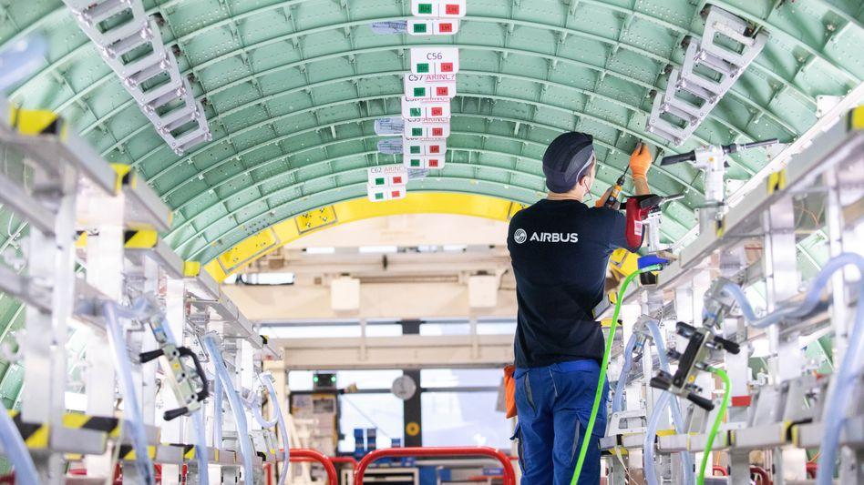 A320-Montage in Hamburg: Die Produktion der Mittelstreckenjets soll wieder deutlich hochgefahren werden