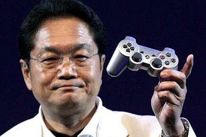Zufrieden: Firmen wie Sony - hier Sony-Computer-Entertainment-Chef Ken Kutaragi bei der Präsentation der Playstation 3 - können vom Computerspiel-Hype profitieren