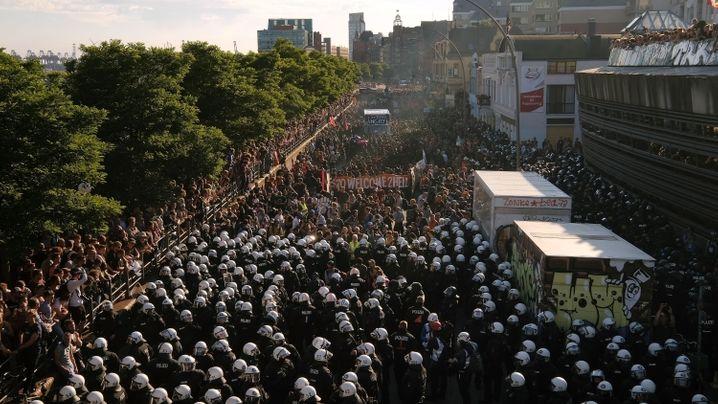 G20-Gipfel: Polizei stoppt Demonstration