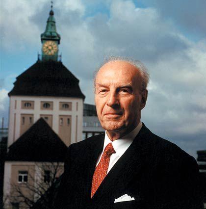 Merck-Legende: Hans Joachim Langmann ist die graue Eminenz bei Merck - und seit den 60er Jahren stieg sein Einfluss stetig.