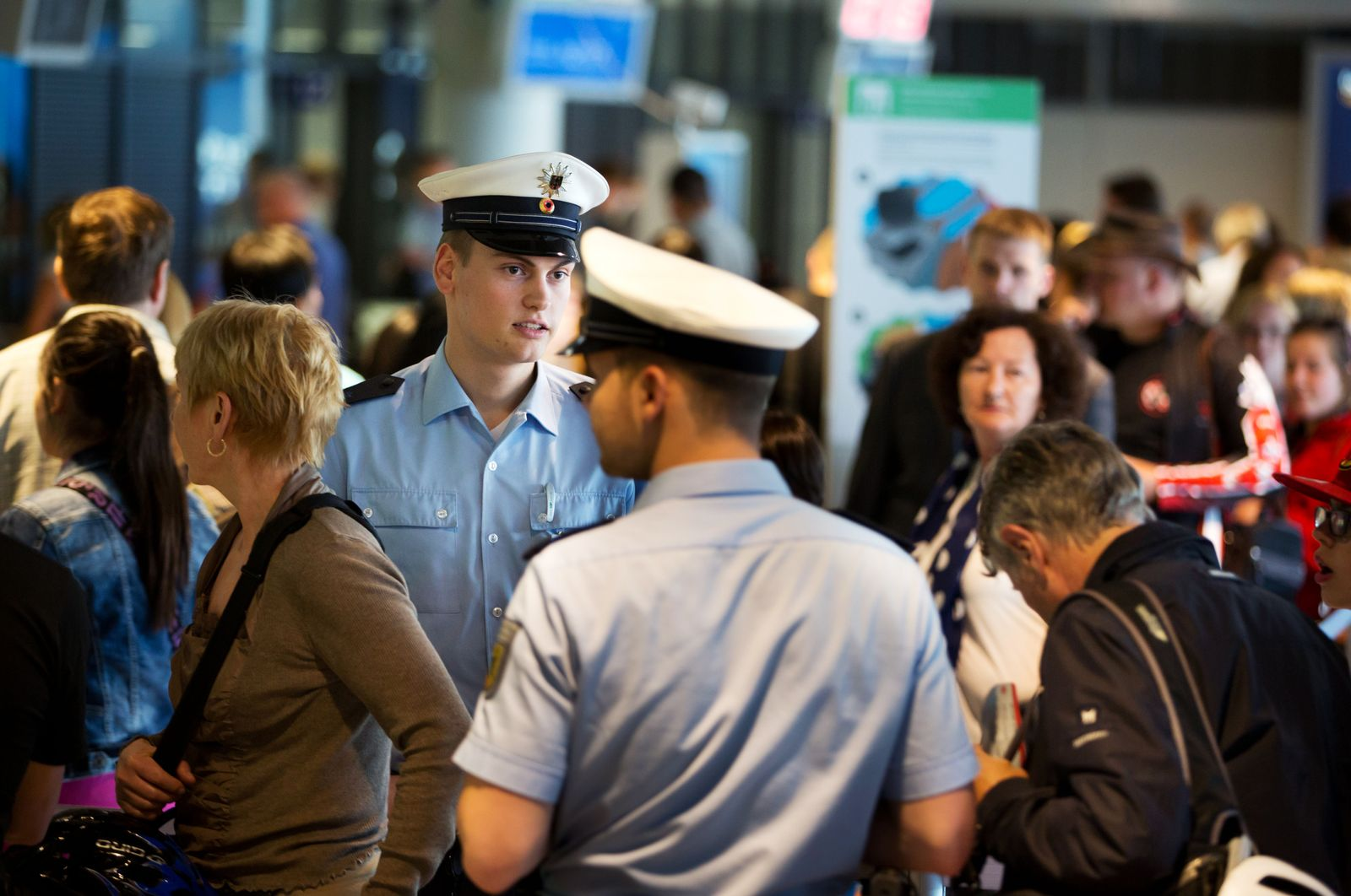 Kontrollen am Flughafen von Frankfurt/Main