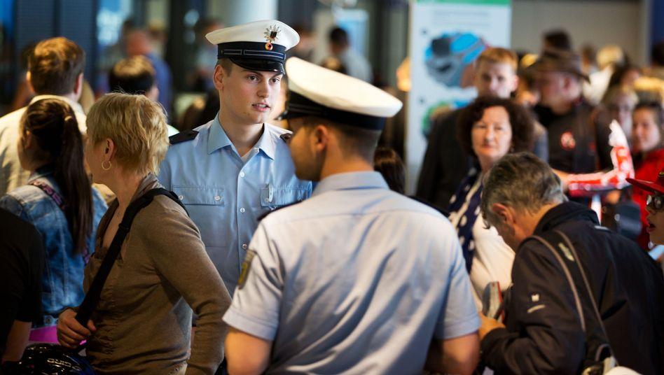 Sicherheitscheck am Flughafen Frankfurt am Main