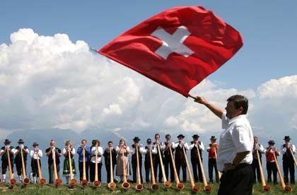 """Beliebter Wohnort: Milliardäre können in der Schweiz """"fast gratis"""" leben"""