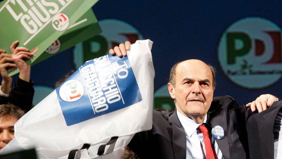 Zitterpartie: Pier Luigi Bersani könnte nach seinem Sieg im Abgeordnetenhaus neuer Regierungschef in Italien werden - doch über die Mehrheit im Senat ist noch nicht entschieden