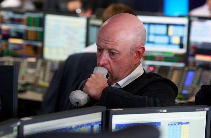 Händler an der Londoner Börse: Selbst Hinterbänkler wie Dominic Raab und Boris Johnson nehmen Einfluss auf die Kurse