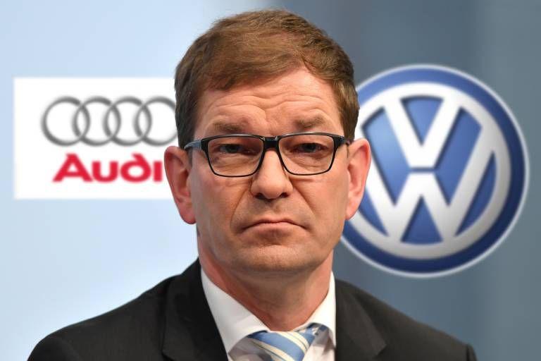 FOTOMONTAGE Volkswagen holt BMW Topmanager in den Vorstand Der bisherige BMW Einkaufsvorstand Mar