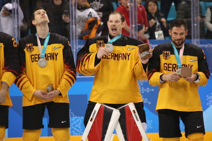 Deutschlands Fast-Olympioniken Frank Mauer, Danny aus den Birken und Yannic Seidenberg (von links)