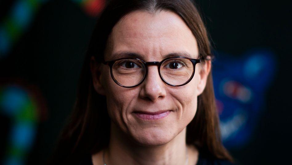 Wechselt die Spur: Nach dem Verteidigungsministerium ist alles andere eine Spazierfahrt - Katrin Suder steht vor dem Einstieg bei Volkswagen