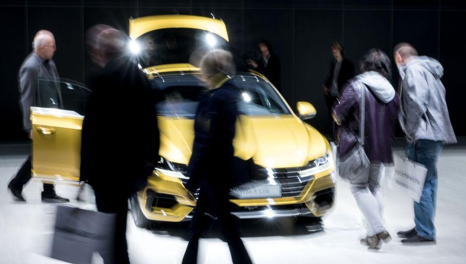 Showdown bei Volkswagen: Vor der Hauptversammlung am 3. Mai gibt es zahlreiche Gegenanträge - Aktionärsschützer werfen Vorstand und Aufsichtsrat Versagen bei der Aufarbeitung des Dieselskandals vor