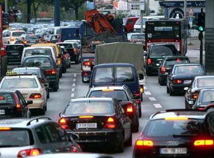 Stillstand 1: Auf vielen Autobahnen führte das streikbedingte zusätzliche Verkehrsaufkommen heute morgen zu erheblichen Behinderungen