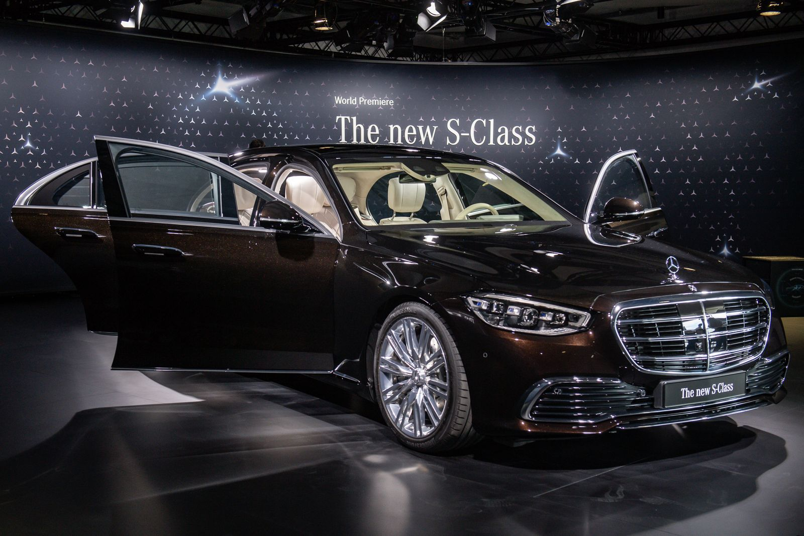 Mercedes-Benz AG Presents New Factory And S-Class Luxury Car