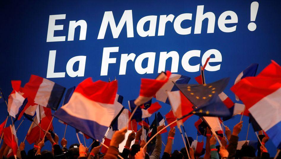 Wahl in Frankreich: Macron hat den ersten Wahlgang gewonnen und geht mit Marine Le Pen in die Stichwahl