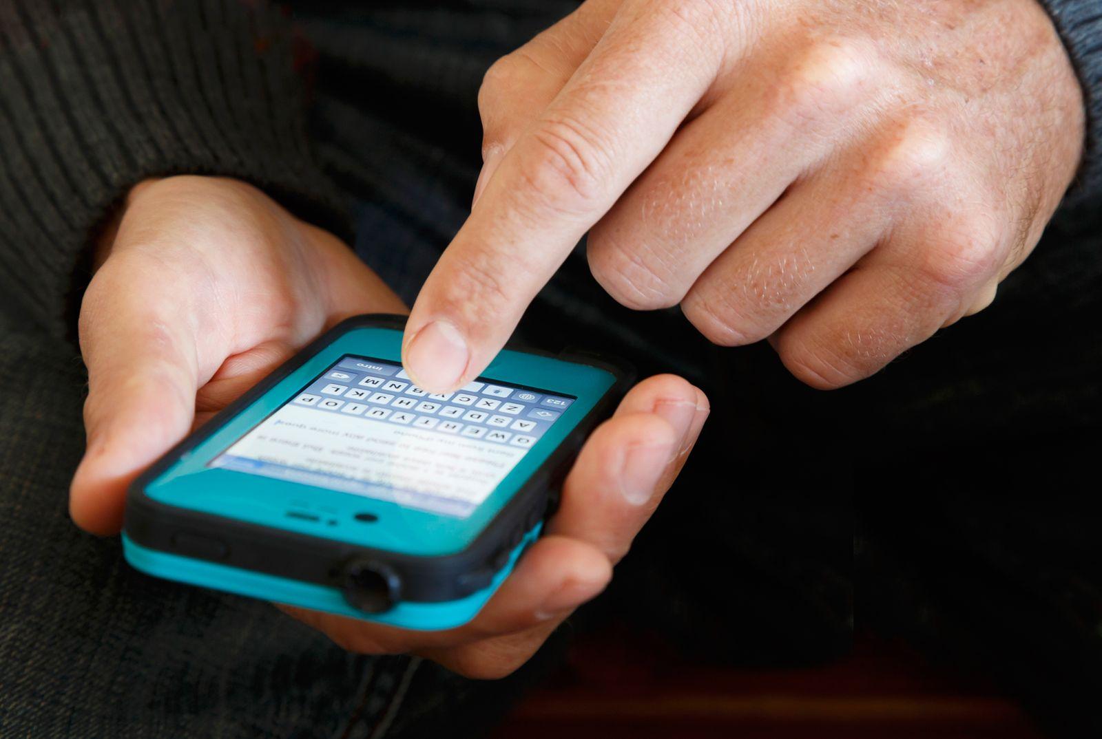 NICHT MEHR VERWENDEN! - Symbolbild SMS/ Smartphone