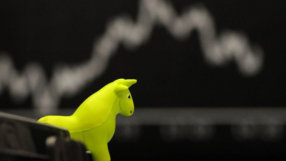 Nicht zu stoppen: Der Börsen-Bulle stürmt weiter, der Dax peilt die Marke von 12.400 Zählern an