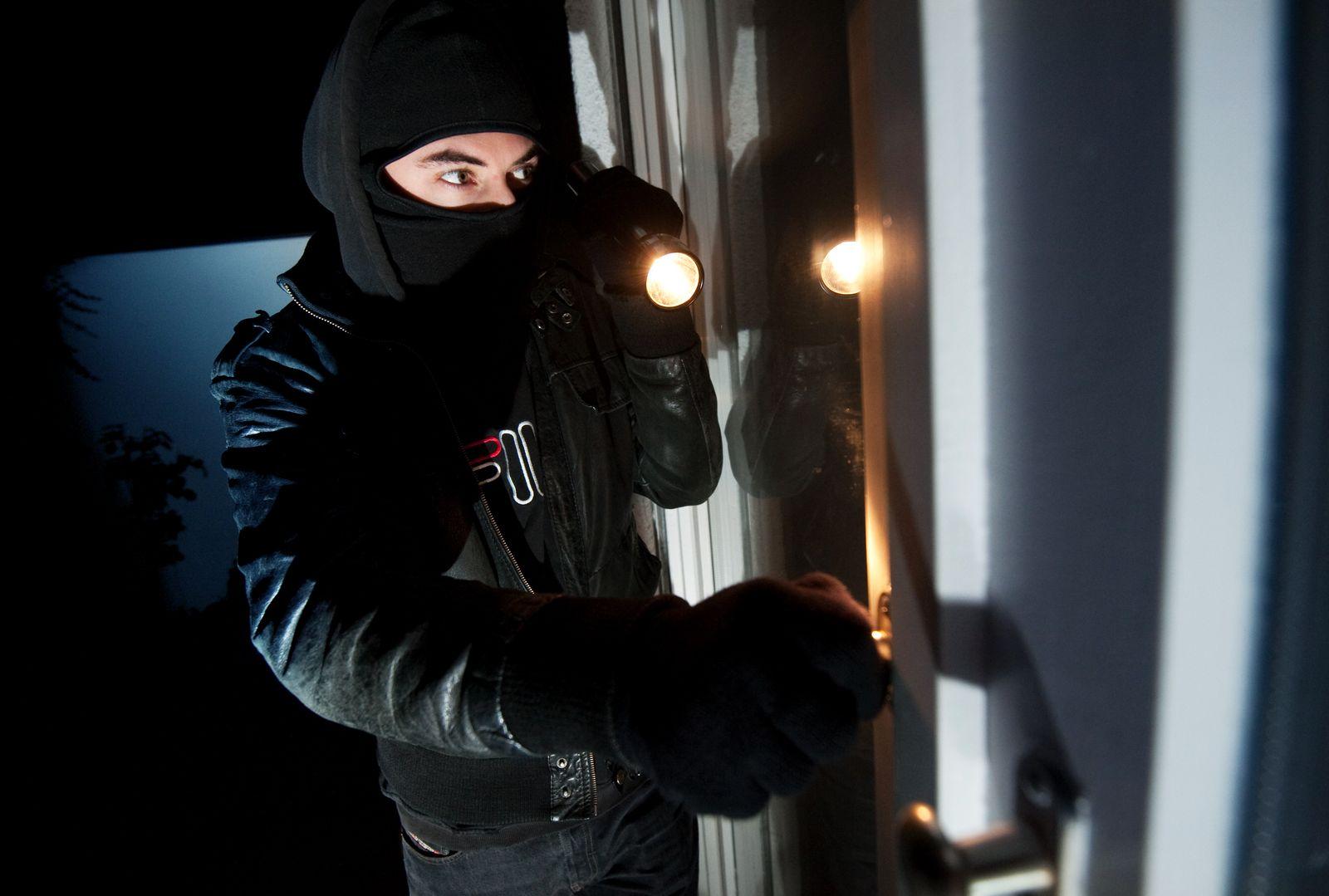 Einbrecher / Einbruch Diebstahl