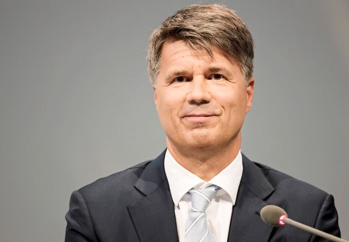 """""""Uns ist vor einigen Jahren ein Fehler unterlaufen"""": BMW-Chef Harald Krüger räumten eine Panne bei der Abgasreinigung eines Dieselmotors ein. Mehr als eine Panne sei dies aber nicht gewesen"""