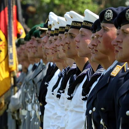 Teure Wehrpflicht: Kostennachteile gegenüber einer Berufsarmee ermittelt