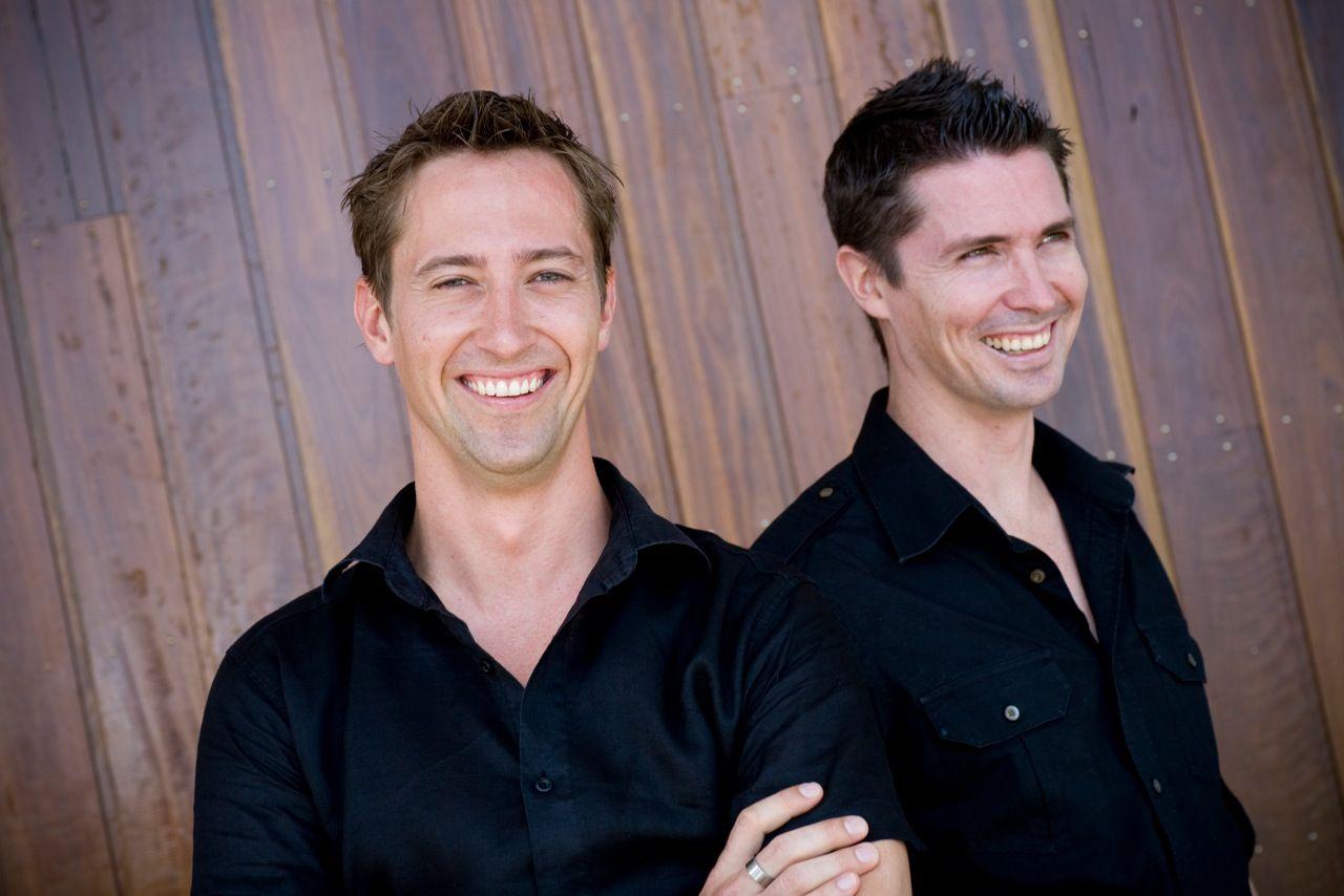 EINMALIGE VERWENDUNG Travis & Shawn Pittman