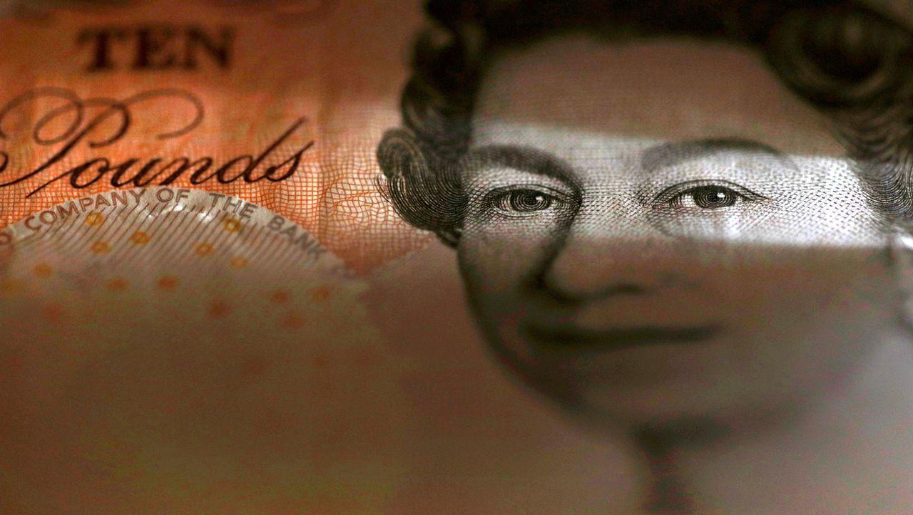 Pfund Sterling: Britisches Pfund mit Kursrutsch gegenüber Dollar