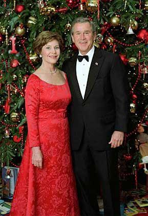 "Festlich gekleidetes Ehepaar Bush: ""Comme il faut"""