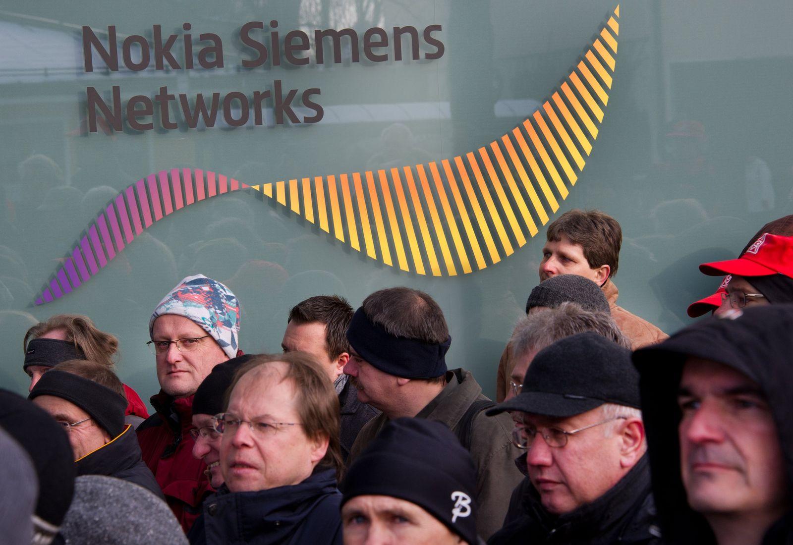 NSN-Mitarbeiter demonstrieren gegen Stellenabbau