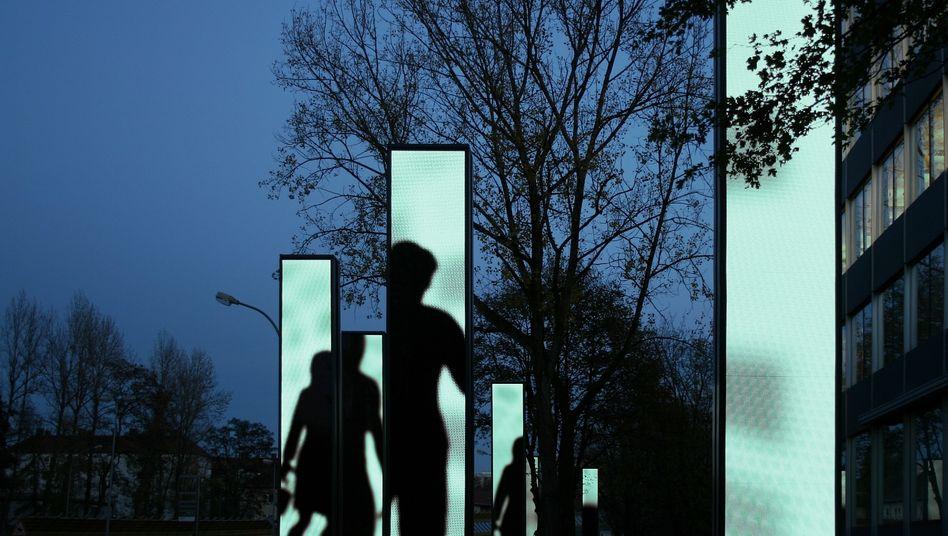 Lichtstelen vor dem Osram-Sitz: Wo geht's weiter?