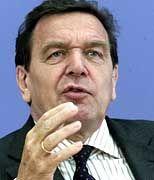 Bundeskanzler Gerhard Schröder - er wollte die Arbeitslosenzahl unter die 3,5-Millionen-Grenze drücken