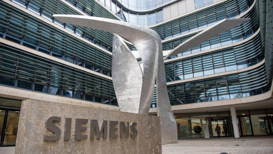 Siemens Konzernzentrale in München: Mitarbeiter des Industriekonzerns können sich über eine Corona-Prämie freuen