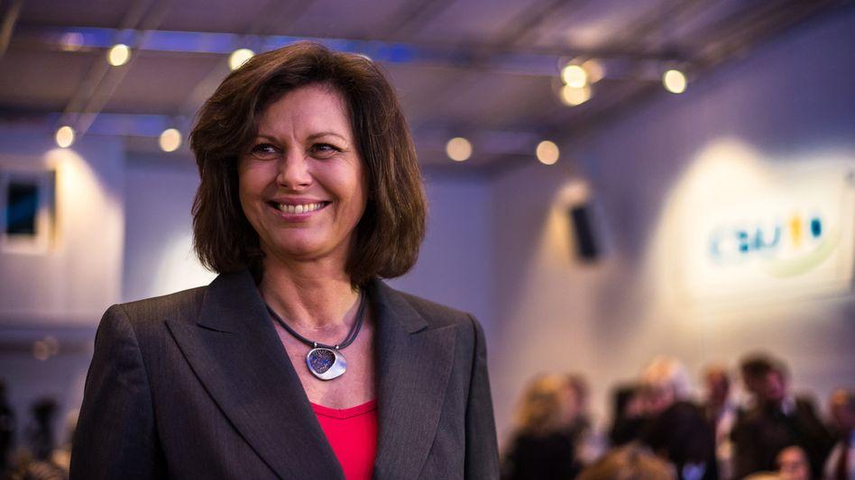 """Bayerns Wirtschaftsministerin Ilse Aigner: """"Für Bayern ist Constantin ein wichtiger Akteur sowohl mit dem Film- als auch dem Sportgeschäft"""