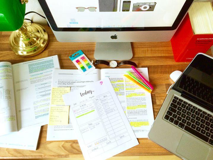 Schreibtisch: Leidlich aufgeräumt