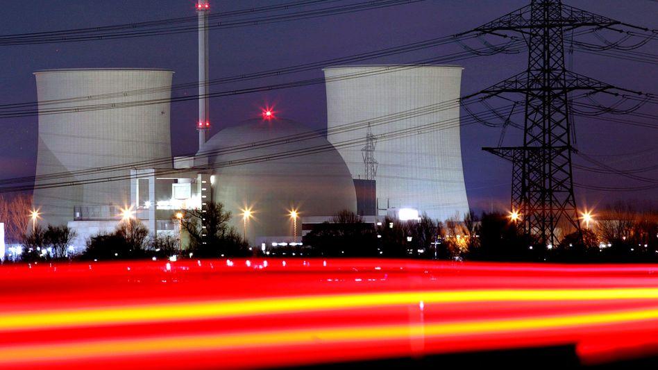 Dürfte bald für immer vom Netz gehen: Das Atomkraftwerk Biblis in Hessen