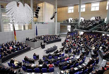Deutscher Bundestag: Zwang zu Kompromissen behindert Deutschlands Entwicklung, glauben US-Investmentbanker