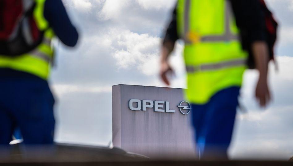 Peugeot plant angeblich Einschnitte bei Opel in Rüsselsheim
