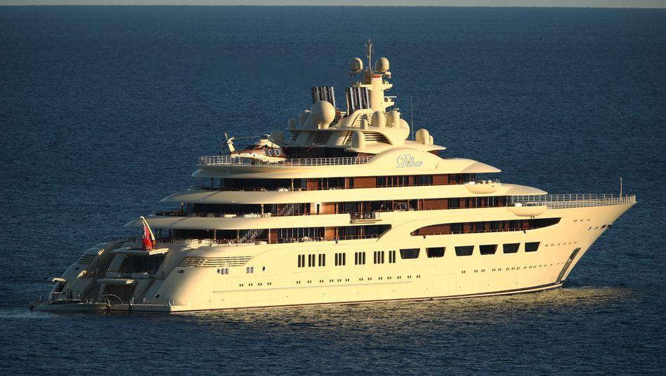 """Teuerste Yacht der Welt: Die """"Dilbar"""" des russischen Metall-Magnaten Alischer Usmanow ist Experten zufolge mehr als eine halbe Milliarde Dollar wert."""