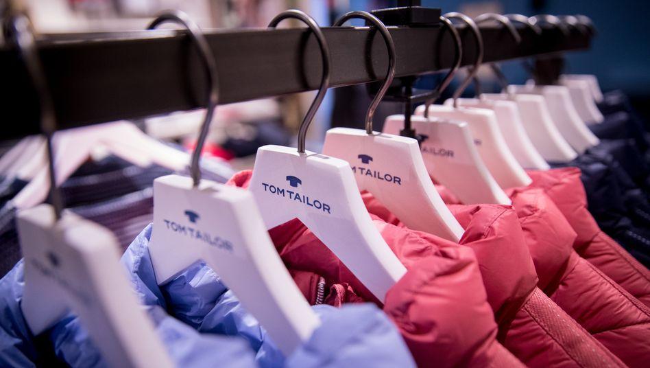 Tom-Tailor-Kleidung in der Firmenzentrale in Hamburg.