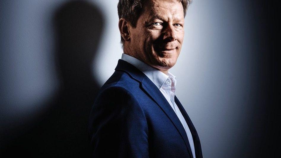 Frohgemut: Konzernchef Lutz ersetzt Taten durch Worte