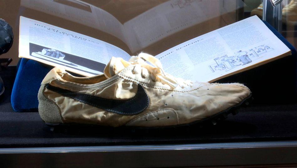 "Nike ""Moon Shoe"": Seltener Sneaker mit Mondpreis"