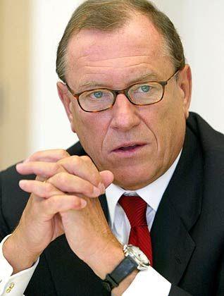 Die Zeit läuft ab: Noch in diesem Jahr will Schrempp seinen Posten für Nachfolger Dieter Zetsche frei machen
