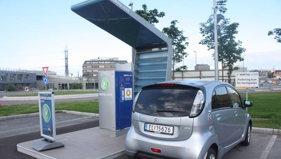 Elektroauto-Ladestationen: In Norwegen mittlerweile normal, in Deutschland noch eher der Ausnahmefall