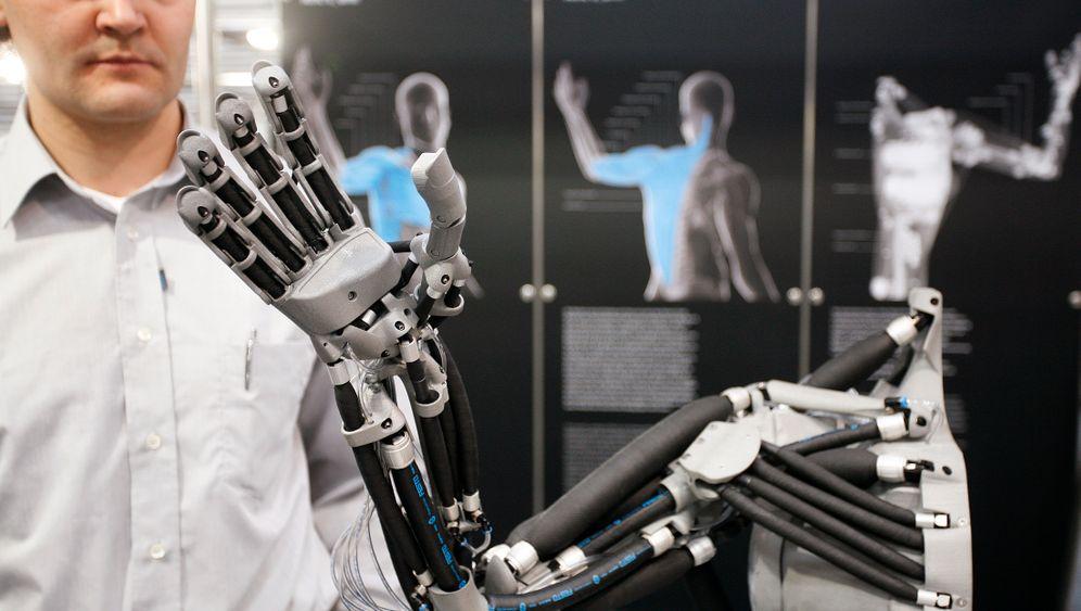 Verkäufer, Lagerist, Kellner: Die neuen Jobs der Roboter