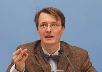 Vertritt gegen Rürup eine Bürgerversicherung: Karl Lauterbach