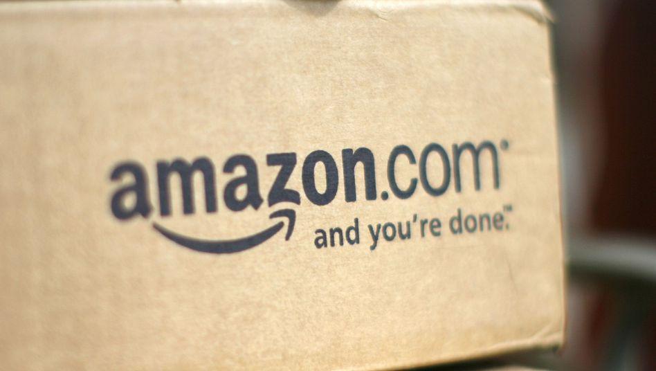 Amazon-Paket: Der Konzern verdiente im vergangenen Quartal 73 Prozent weniger als im Vorjahreszeitraum