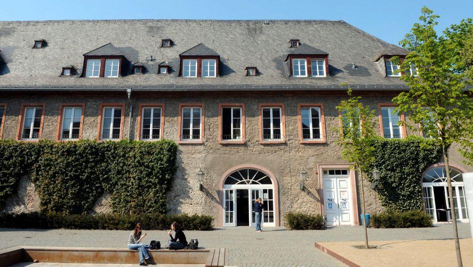European Business School (EBS):