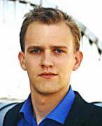 Cornelius Rost: Zusammen mit zwei ehemaligen Kommilitonen hat der 24-jährige Betriebswirt das erste Buch über Business-Angels in Deutschland geschrieben. Im Hauptberuf arbeitet Rost als Marketingleiter beim Internet-Portal ciao.com.