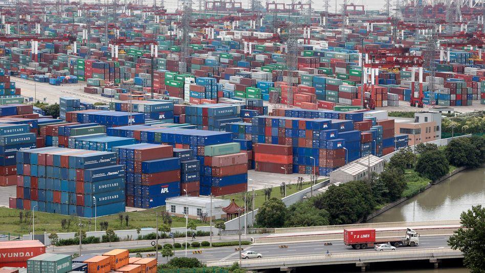 Containerhafen von Shanghai: Deutschland hat aus China im vergangenen Jahr mehr importiert als zuvor