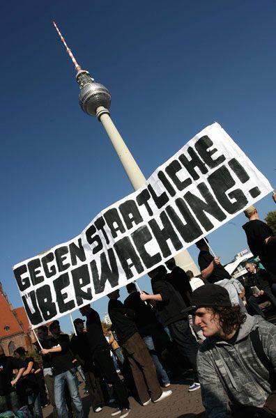 """""""Freiheit statt Angst"""": Die Demonstranten stören sich an Internetsperren und der Vorratsspeicherung"""
