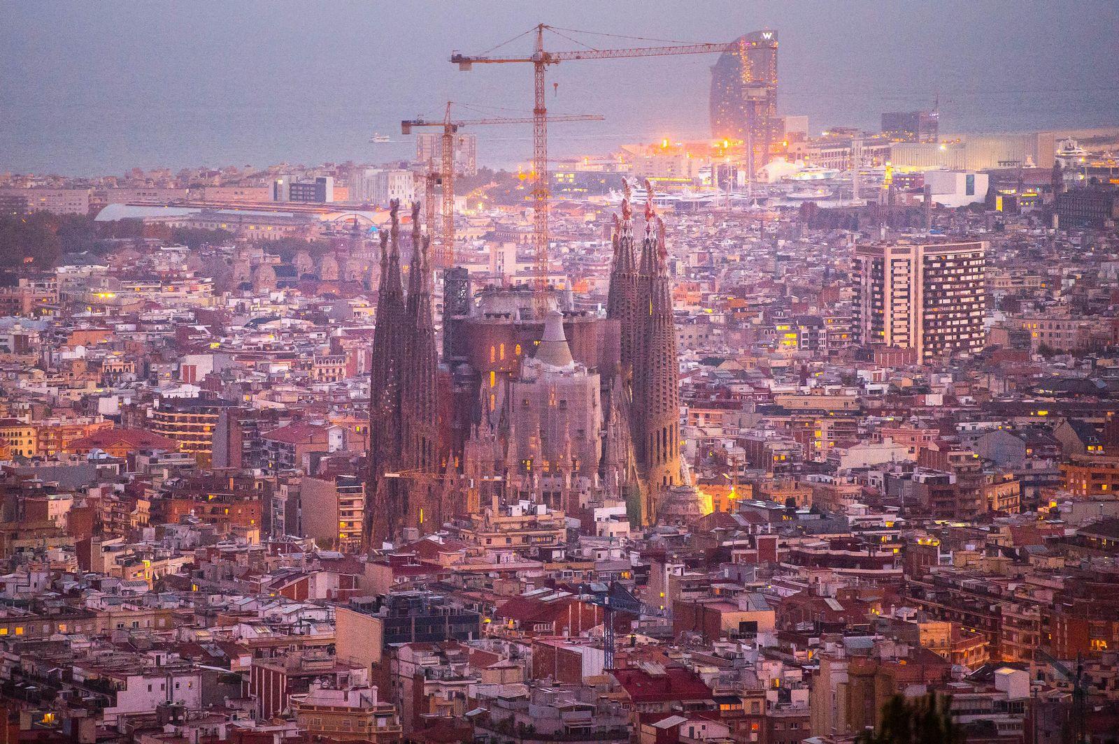 Barcelona / Sagrada Familia / / Stadtansicht / Luftbild